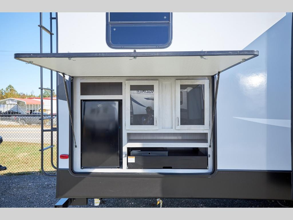 Sprinter Limited 3620LBH Outdoor Kitchen