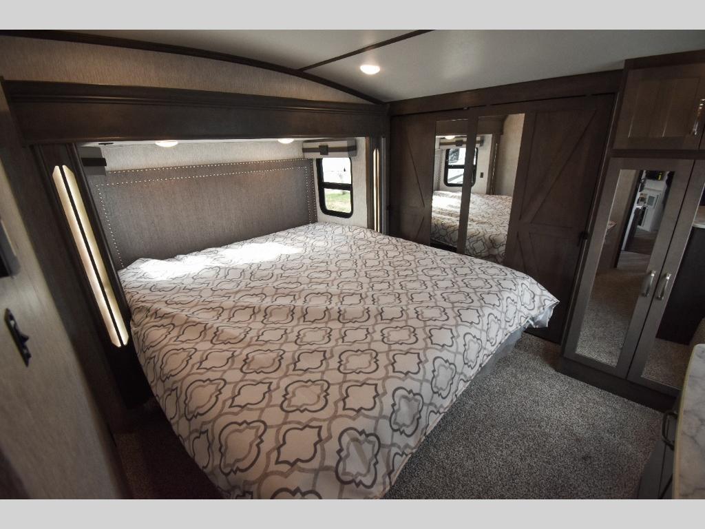 Dutchmen Bedroom